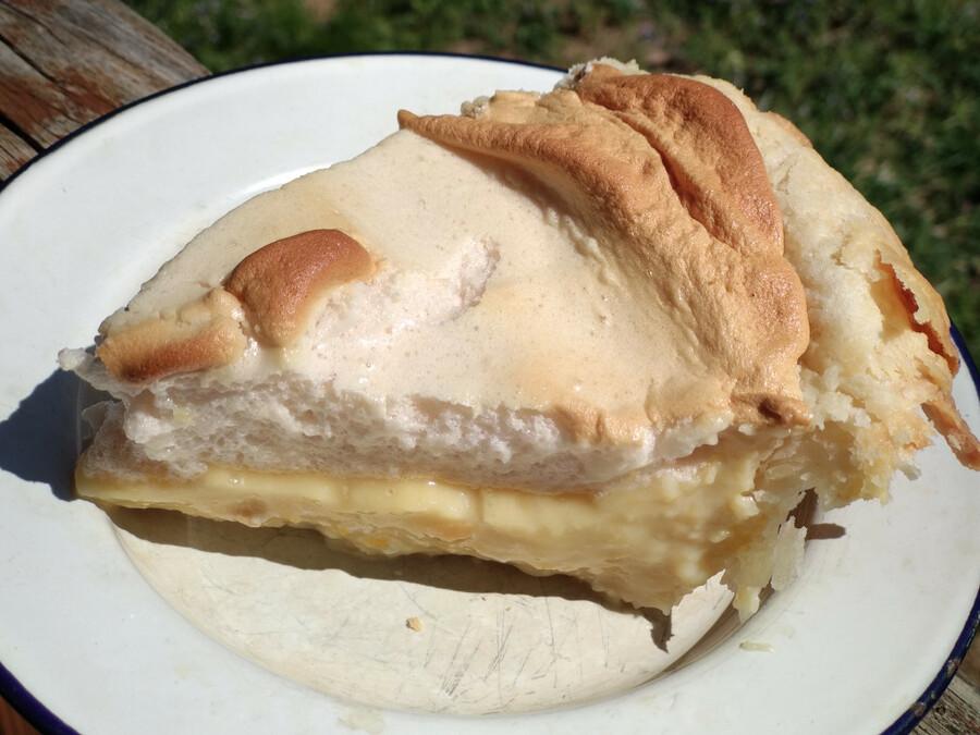 Lemon-meringue pie slice